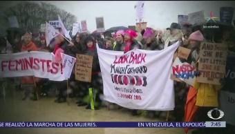 Miles de mujeres marchan en Washington para exigir equidad de género