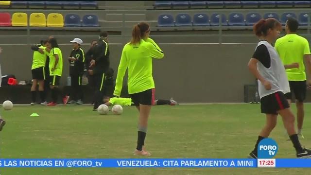 Mujeres Futbolistas Gana 70 Menos Hombre