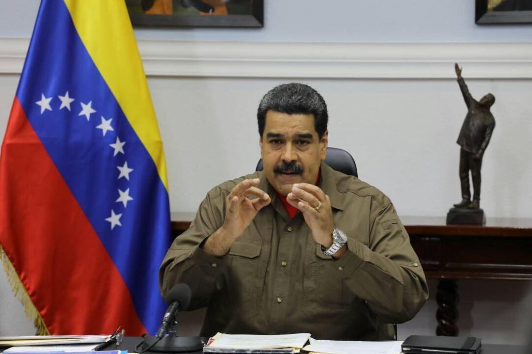 Anuncia Nicolás Maduro emisión de' Petros'