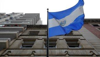 NY ofrece ayuda salvadoreños que enfrentan deportación