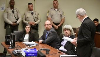 Padres de los 13 menores rescatados en California se declaran inocentes