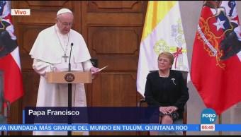 Papa Francisco se reúne con la presidenta de Chile