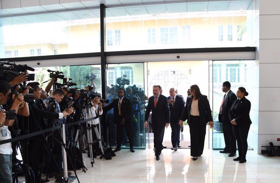 Participa Videgaray en tercera reunión de negociaciones entre Venezuela