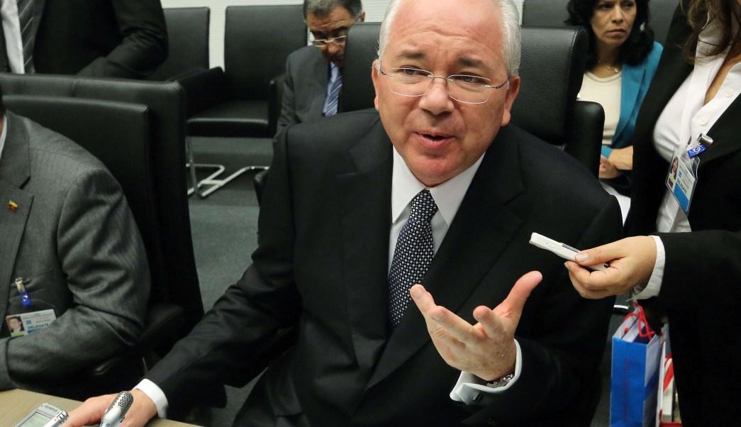 Fiscal anuncia que pedirá la captura de Rafael Ramírez, exjefe de PDVSA