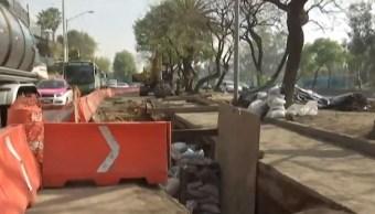 Reparación de socavón en carriles laterales de Periférico