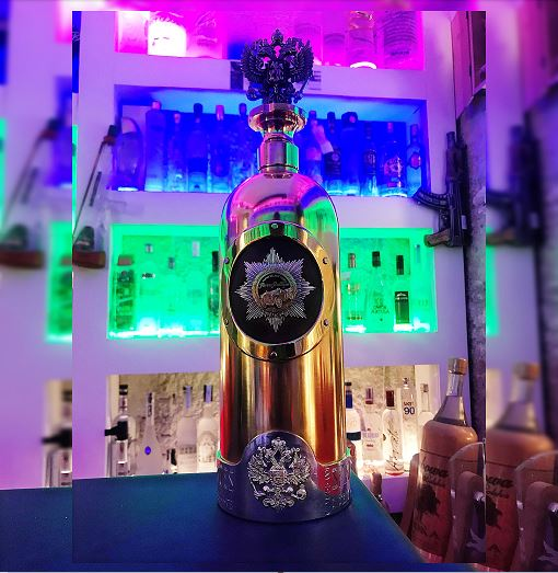 Roban en Copenhague botella de vodka valorada en 1.3 millones de dólares