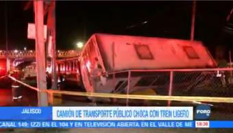 Registra Choque Camión Tren Ligero Guadalajara