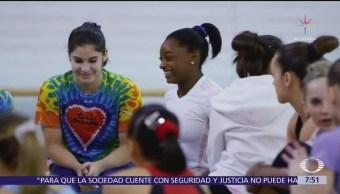Simone Biles, gimnasta olímpica, denuncia violación