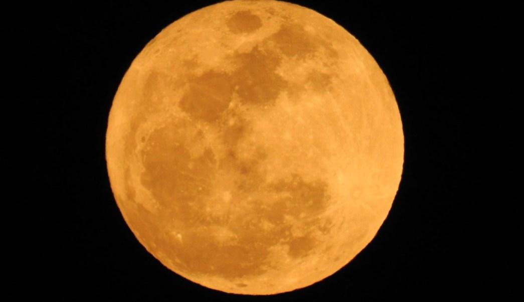 As se vio la superluna en todo el mundo televisa news for Que luna tenemos hoy
