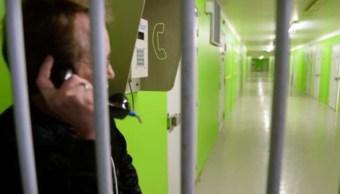 Francia instalará teléfonos en las celdas