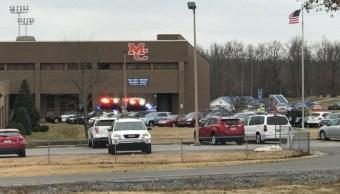 Tiroteo en escuela secundaria de Kentucky deja un muerto y varios heridos