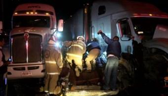 Choque entre traileres deja un muernto y dos lesionados en jalisco