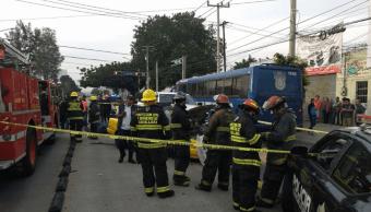 Choque entre un auto y un taxi causa un muerto en Guadalajara