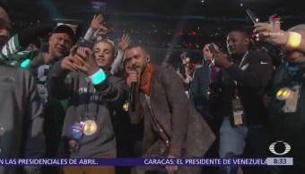 Adolescente se toma selfie con Justin Timberlake durante show del Super Bowl