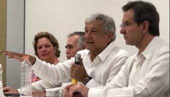 AMLO recomienda al PAN y PRI cambiar a sus candidatos