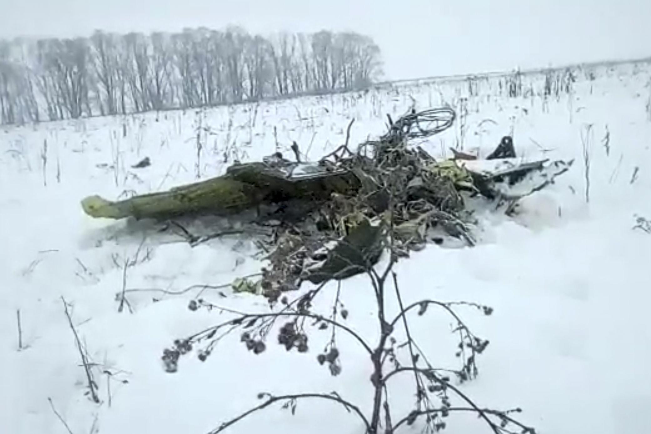 Un avión ruso de tipo Antonov An-148 cae cerca de Moscú