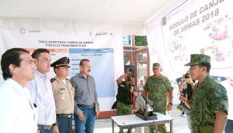 Acapulco pone en marcha programa de canje de armas