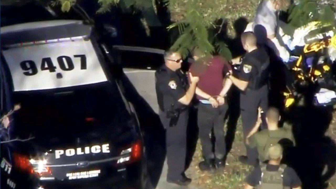 Policía arresta sospechoso tiroteo escuela Florida