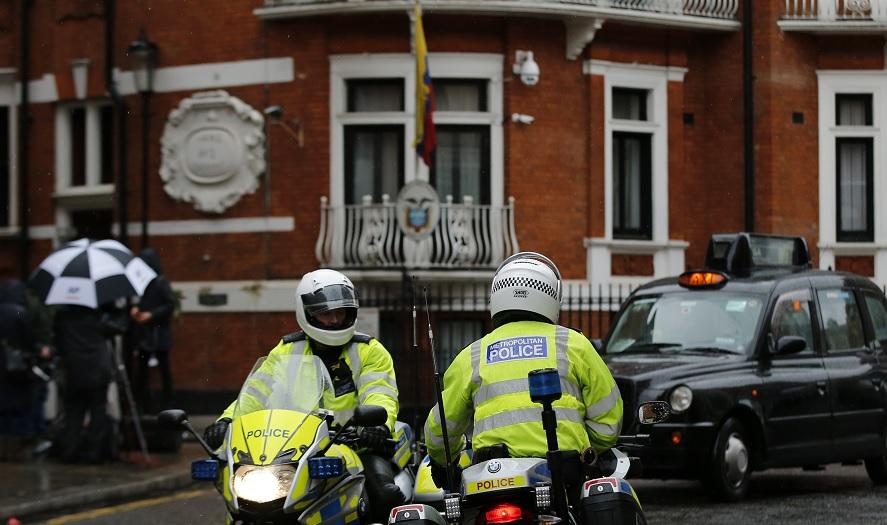 Justicia británica mantiene la orden de detención contra Julian Assange