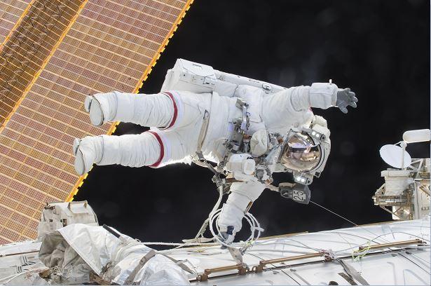 NASA confirma cambios físicos y psicológicos en astronautas tras viajes al espacio