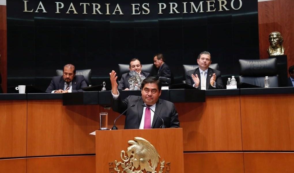 Barbosa se despide del Senado; buscará la gubernatura de Puebla