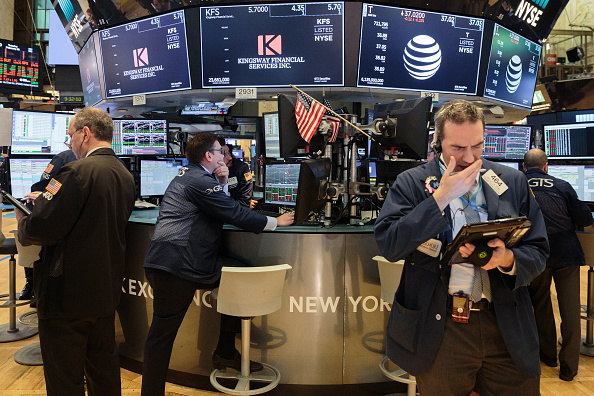 Wall Street abre mixto; el Dow Jones pierde 0.38%