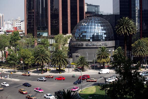 La Bolsa Mexicana de Valores opera errática; mercado espera datos relevantes