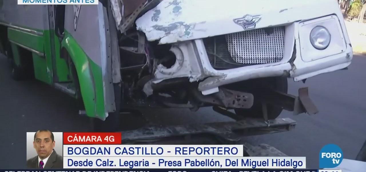 Choca microbús en calzada Legaria, en la delegación Miguel Hidalgo