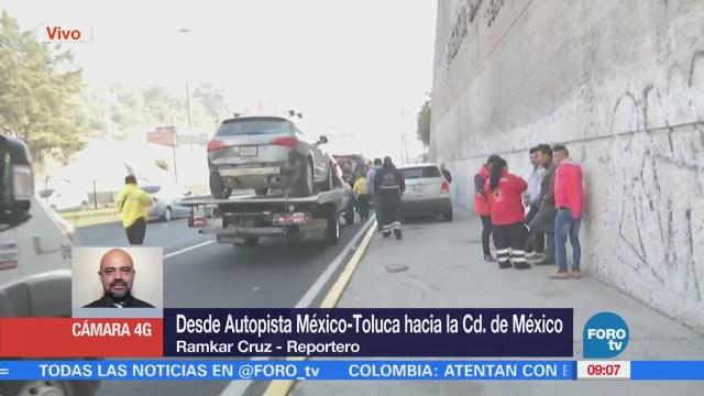 Choque múltiple en la Autopista México-Toluca causa afectación vial