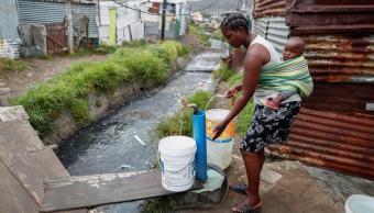 Ciudad del Cabo aplaza hasta mayo el día sin agua