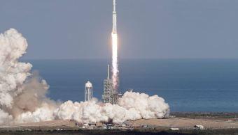 Viaje del Falcon Heavy podría acercar a las personas a Marte y la Luna
