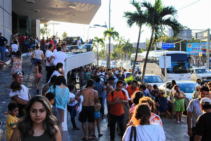 CFE atiende fallas en servicio eléctrico etras sismo en Oaxaca
