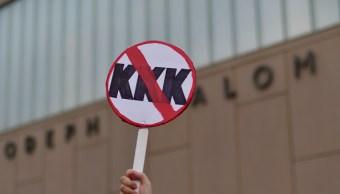 Disminuyen grupos afiliados KKK Estados Unidos