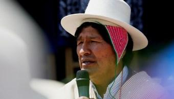 Evo Morales denuncia el uso 'diabólico' del celular en escuelas de Bolivia