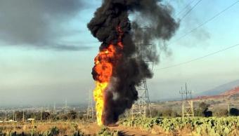 Toma clandestina provoca explosión en ducto de Pemex en Axapusco, Edomex