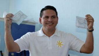 predicador evangelico gana primera vuelta electoral en costa rica