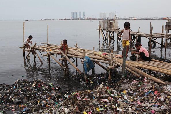Mares Limpios programa concientizar sobre uso plástico