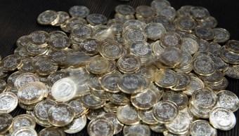 La moneda se aprecia en línea con emergentes