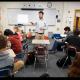 Maestro dando clases en Maine, Estados Unidos