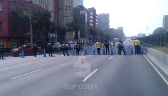 Manifestación bloquea la circulación frente a instalaciones de Segob