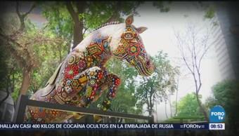 Exposición de Arte Huichol en Paseo de la Reforma