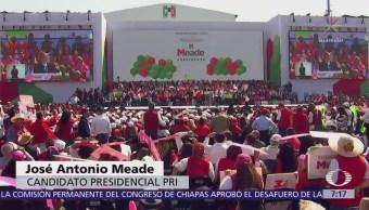 Meade rindió protesta como candidato presidencial del PRI en el Foro Sol