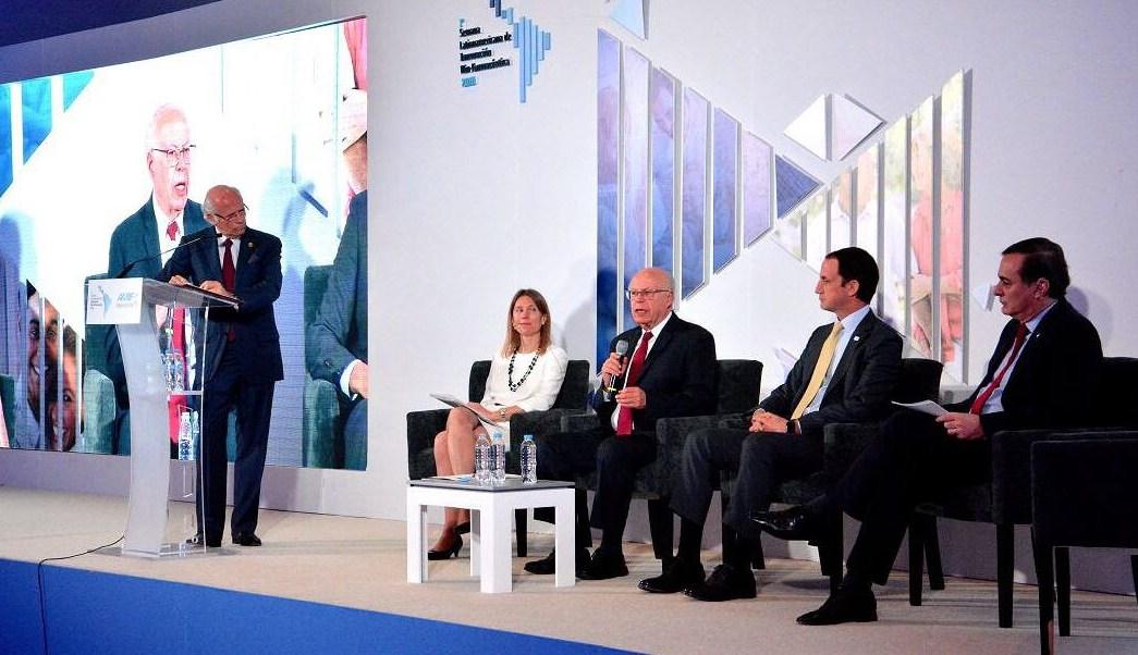 Es prioritario mejorar la inversión en salud: Narro