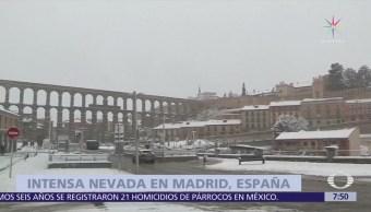 Nevada en Madrid obliga a cerrar pistas del aeropuerto de Barajas