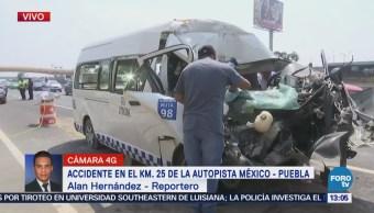 Suman 3 muertos por choque de transporte público en autopista México-Puebla