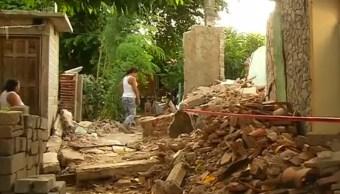 mujeres fabrican adobes reconstruir viviendas sismo oaxaca