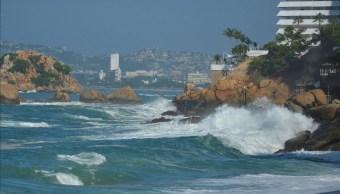 Emiten alerta preventiva por oleaje elevado en costas de Guerrero