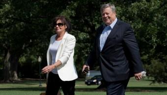 Padres de Melania Trump obtienen la residencia legal en EU