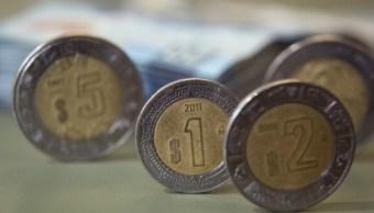 El peso se aprecia en línea con monedas emergentes