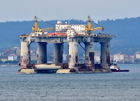 Petróleo mexicano de exportación cae a 55.59 dólares por barril